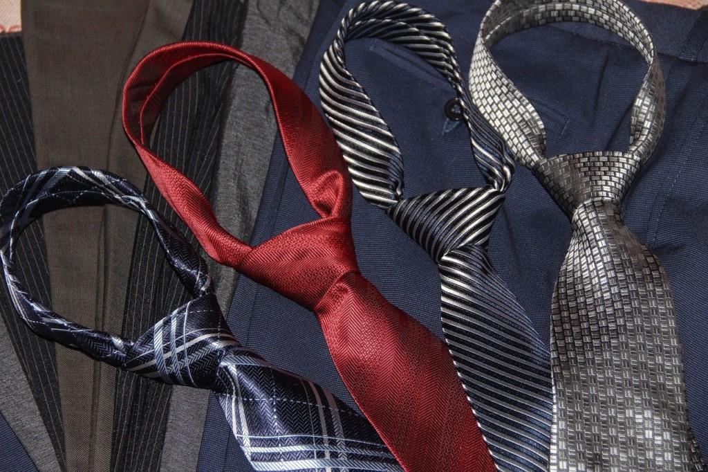 安いネクタイを手に入れる方法まとめ