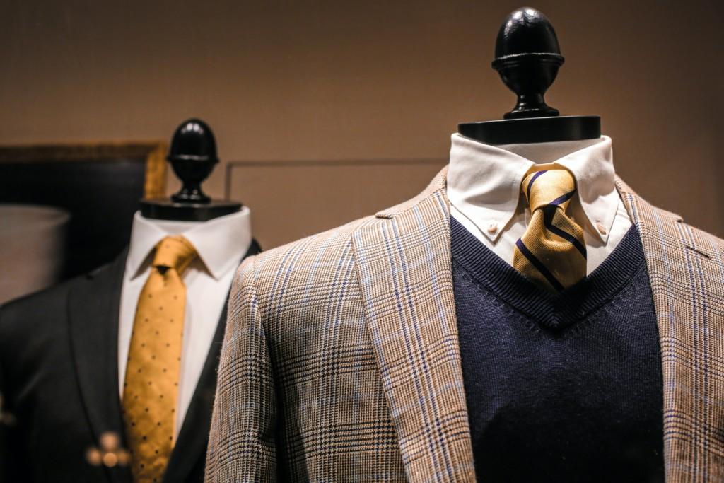 スーツを売る